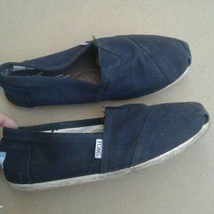 TOM'S Black Canvas Slip on Shoes